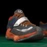 KD VII以破損貼圖呈現一雙身經百戰球鞋的質感。